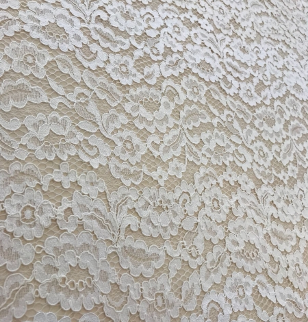 Ivory and offwhite lace fabric. Photo 3