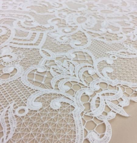 Off-White macrame lace. Photo 1