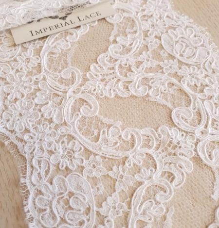 White Lace Trim French Lace. Photo 1