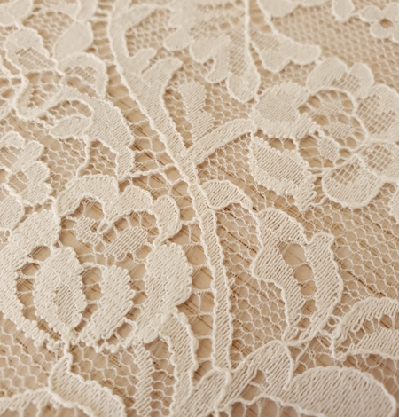 Ecru 100% polyester floral and stripes guipure lace fabric. Photo 5