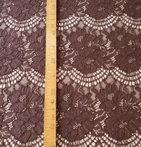 Brown floral guipure lace fabric . Photo 11