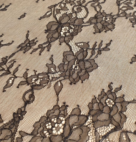 Black floral Chantilly lace fabric. Photo 5