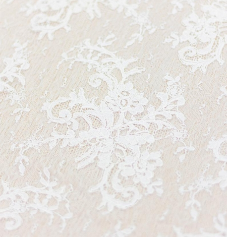 Ivory floral pattern guipure lace fabric. Photo 3