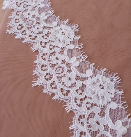 White Guipure Lace Trim French Lace . Photo 2