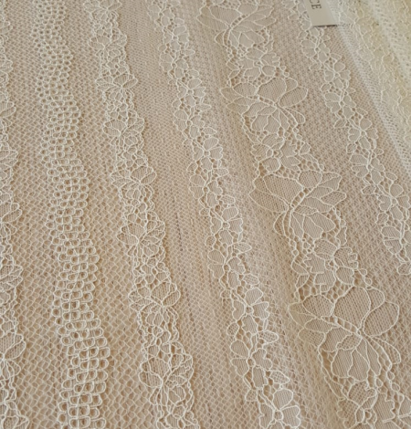 Champagne lace fabric. Photo 4