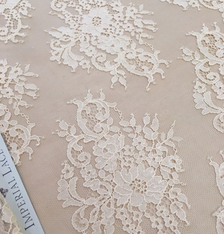 Peach Lace Fabric. Photo 1