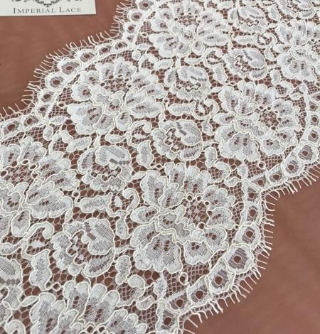Ecru color guipure lace trim. Photo 1