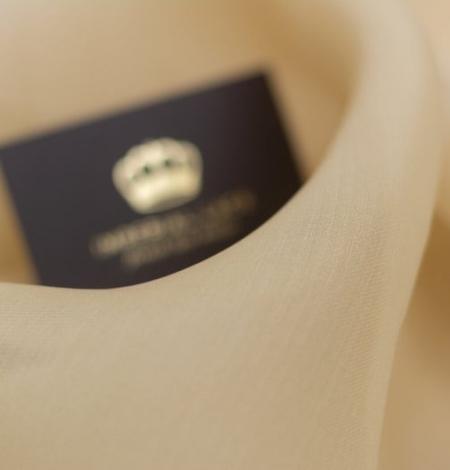 Light brown silk organza fabric. Photo 4