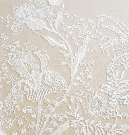 Imperial Lace floral organic embroidery on tulle fabric. Photo 5