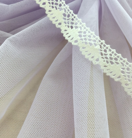 Lilac tulle fabric. Photo 7