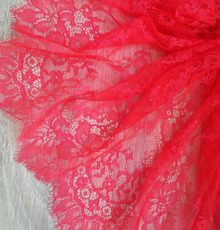 Bright Pink Lace Trim. Photo 2