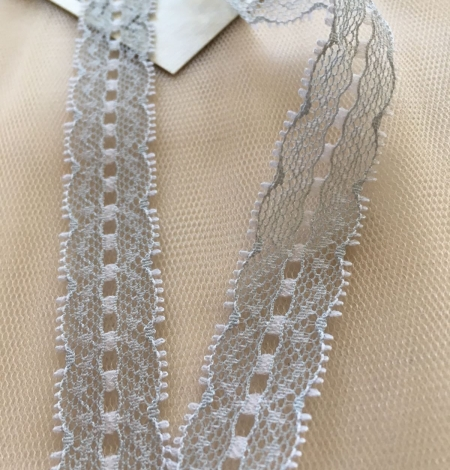 Grey Lace Trim. Photo 1