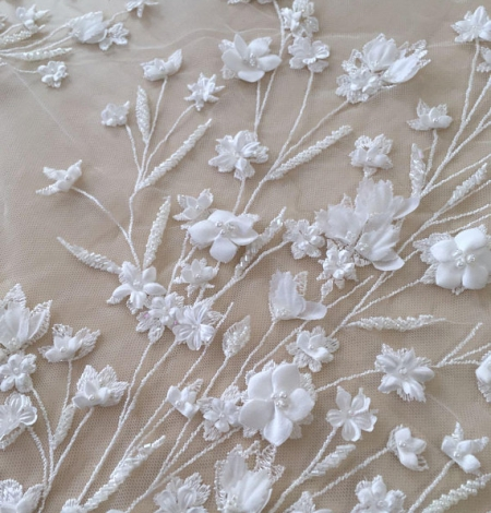 Ivory 3D beaded lace fabric. Photo 4
