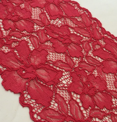 Red alencon lace trim. Photo 4