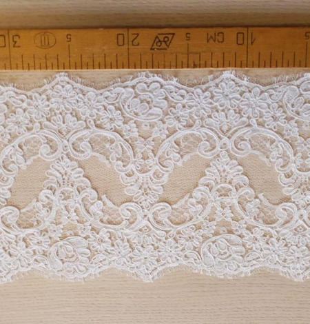 White Lace Trim French Lace. Photo 7
