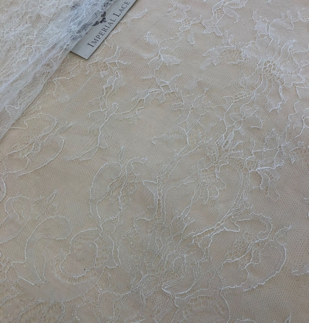 White lace fabric. Photo 2