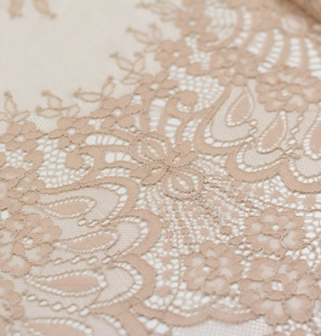 Beige chantilly lace fabric. Photo 5