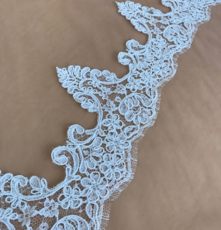 White bridal lace trim. Photo 3