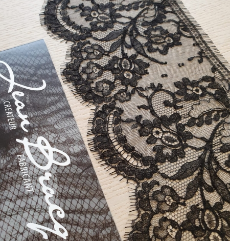 Black chantilly cotton lace trimming by Jean Bracq. Photo 2