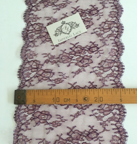 Cordovan with lilac thread lace trim. Photo 4
