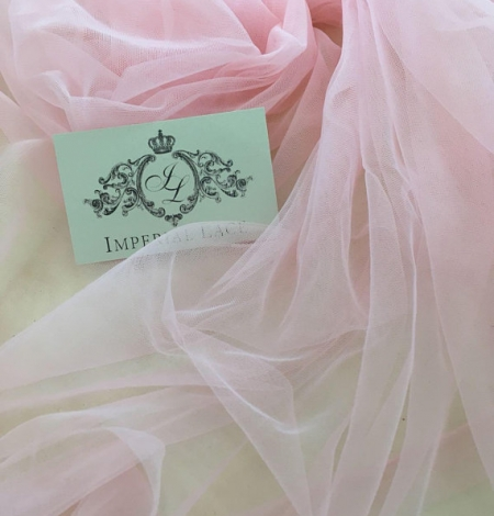 Baby pink tulle fabric. Photo 3