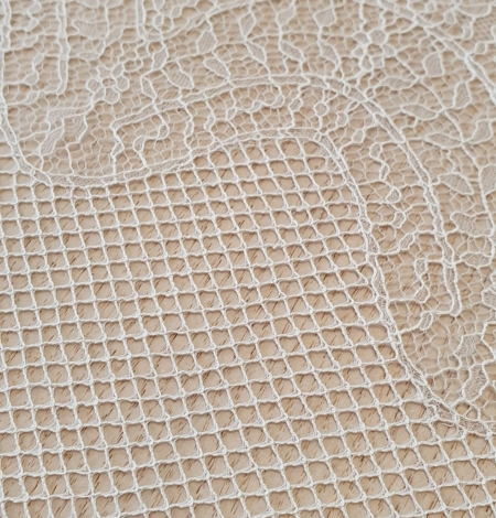 Ivory cotton chantilly lace fabric by Jean Bracq. Photo 4