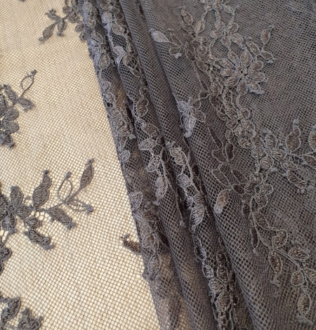 Greyish brown floral pattern chantilly lace fabric. Photo 2