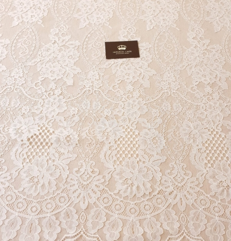Ivory chantilly lace fabric. Photo 8