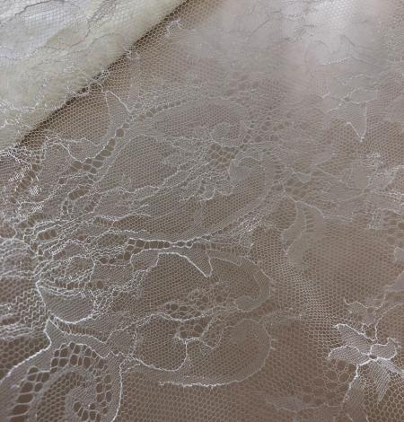 White lace fabric. Photo 3