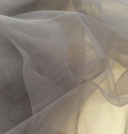 Soft grey tulle fabric with lilac shade. Photo 4