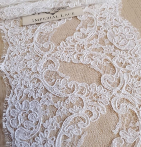White Lace Trim French Lace. Photo 5