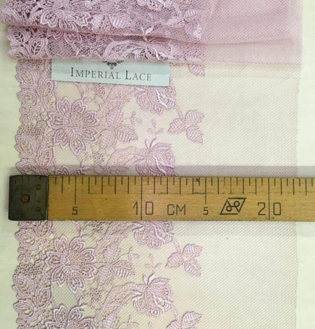 Old rose lace trim. Photo 5