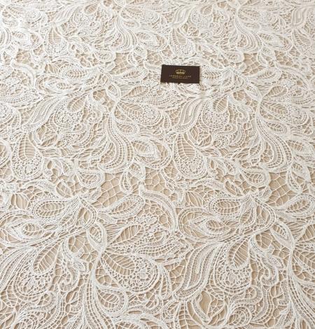 Ivory floral pattern macrame lace fabric . Photo 6
