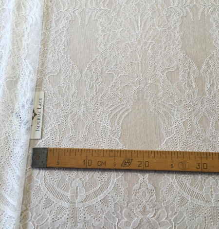 Ivory lace fabric. Photo 10
