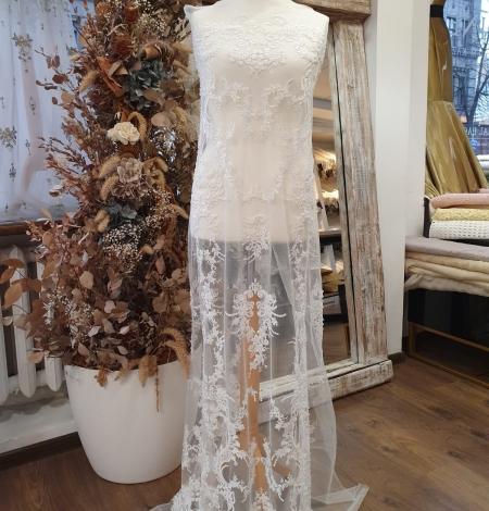 Ivory beaded lace fabric. Photo 8