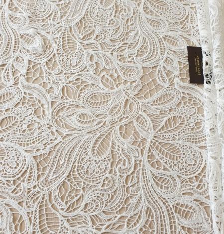 Ivory floral pattern macrame lace fabric . Photo 5