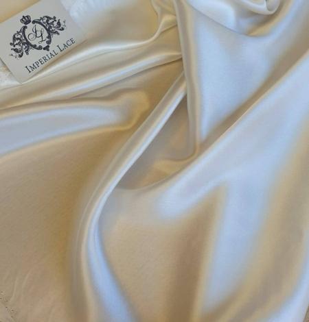 Ivory silk satin fabric. Photo 1
