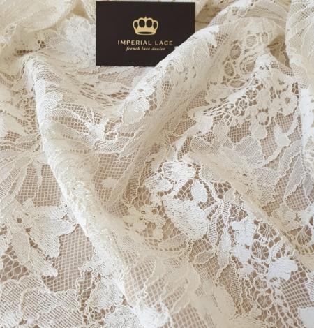Ecru guipure lace fabric. Photo 4