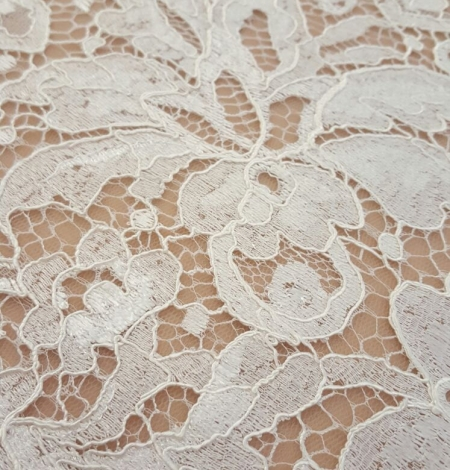 Ivory viscose lace trim. Photo 2