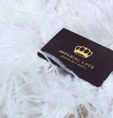 Off white soft natural ostrich feather. Photo 1