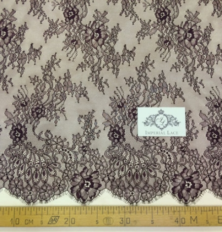 Purple lace fabric. Photo 5