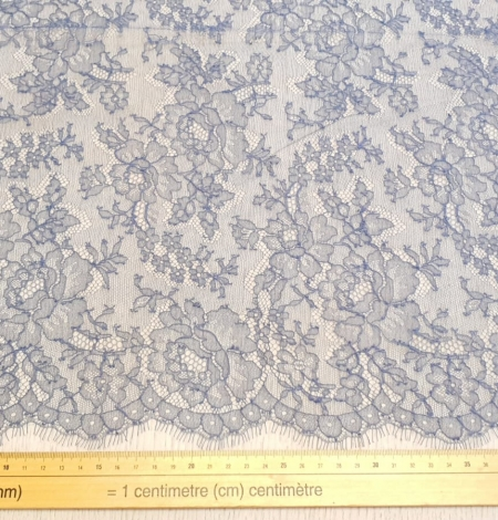 Bluish grey natural chantilly lace fabric by Jean Bracq. Photo 6