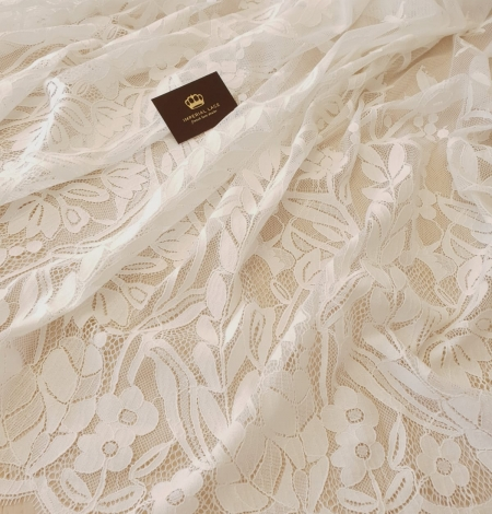 Ivory 100% polyester floral and bird pattern chantilly lace fabric. Photo 4