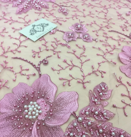Lilac 3D lace fabric. Photo 1