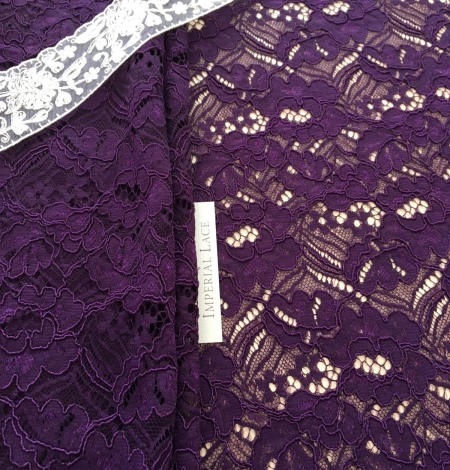 Violet guipure lace fabric. Photo 3