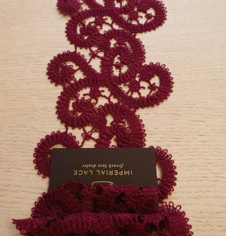 Wine red macrame lace trimming. Photo 4