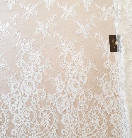 Ivory chantilly lace fabric. Photo 2
