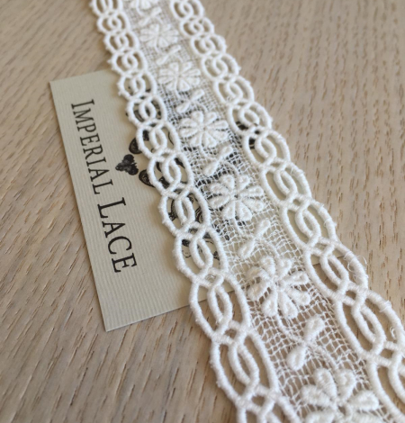 Ivory cotton lace trimming. Photo 1