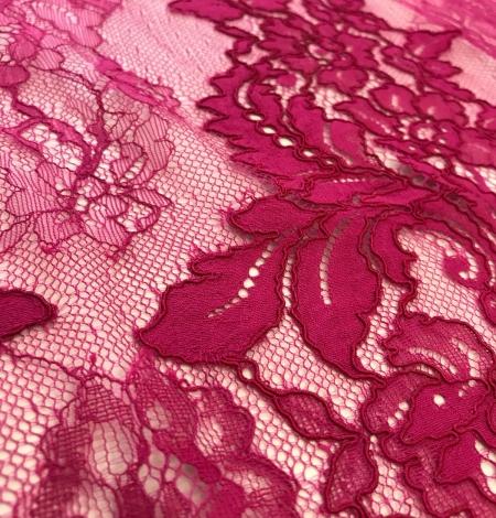 Fuchsia pink lace fabric. Photo 4
