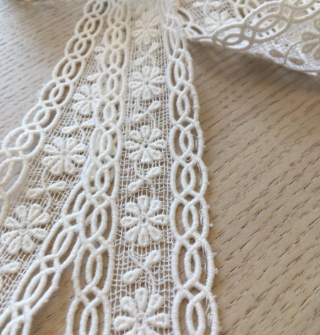 Ivory cotton lace trimming. Photo 8